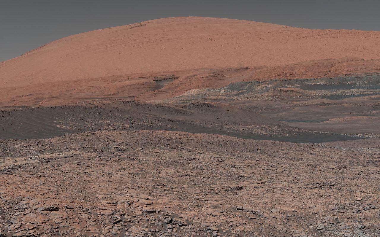Mount Sharp auf dem Mars aus Sicht des Curiosity Rover, NASA